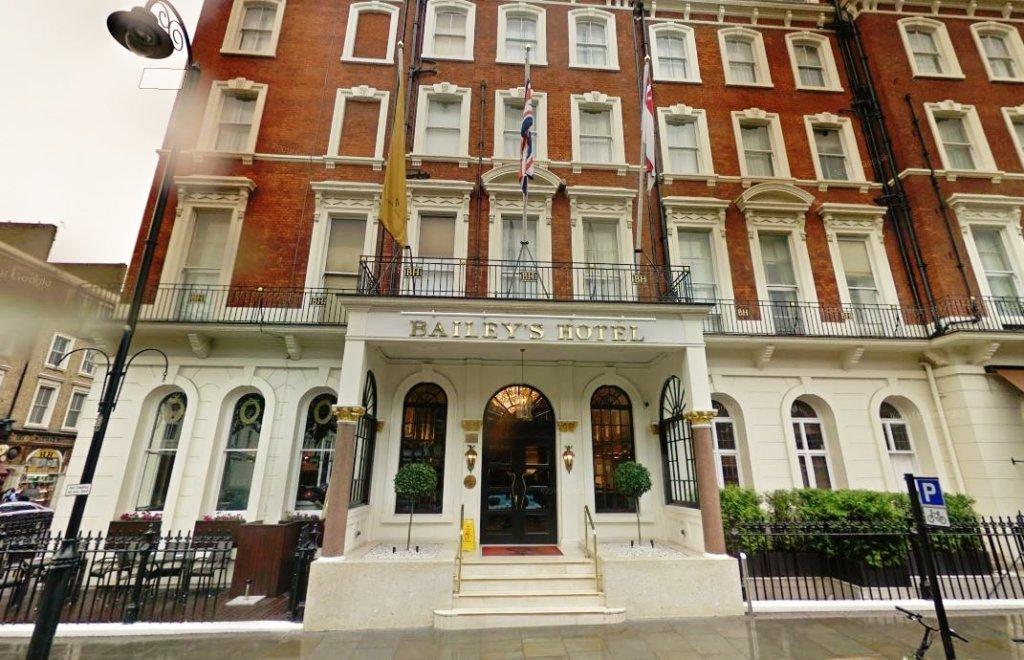 ベイリーズホテルロンドンの外観