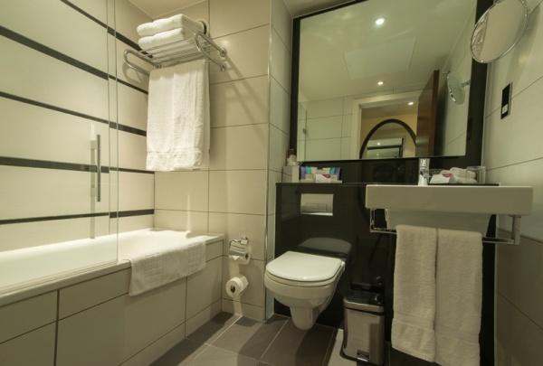 クラウンプラザロンドンケンジントンのバスルーム