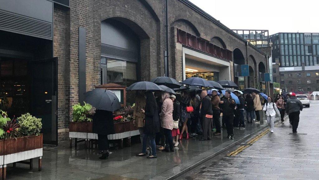 4月のロンドンの服装 雨